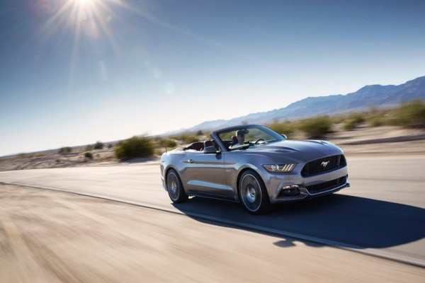 Ford Mustang Convertible 15-