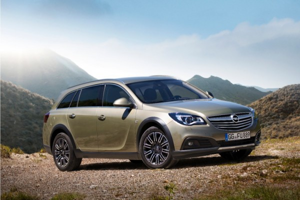 Opel Insignia Country Tourer 13-