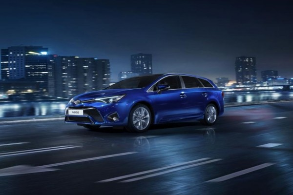 Toyota Avensis              2.0 Selection MS 152KM