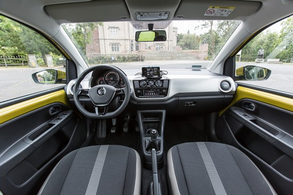 Volkswagen up!              1.0 move 75KM
