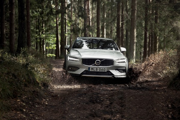 Volvo V60 Cross Country 18-