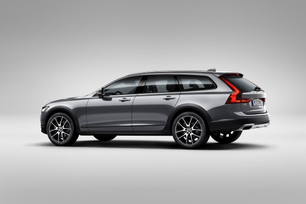 Volvo V90 Cross Country 16-