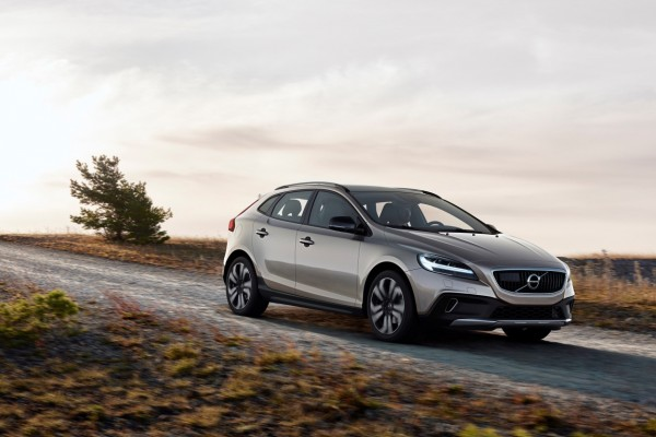 Volvo V40 Cross Country  16-