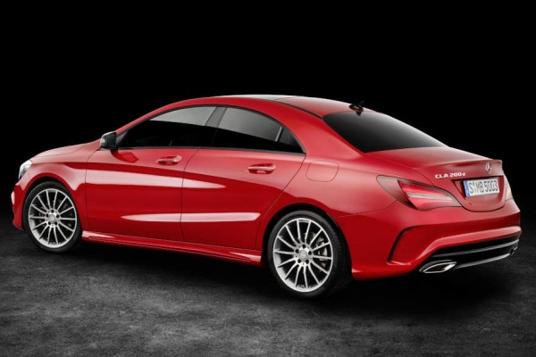 Mercedes Klasa CLA              250 4-Matic Urban 211KM