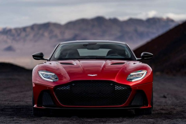 Aston Martin DBS Superleggera 18
