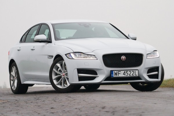 Jaguar XF              3.0 TDV6 Chequered Flag 300KM