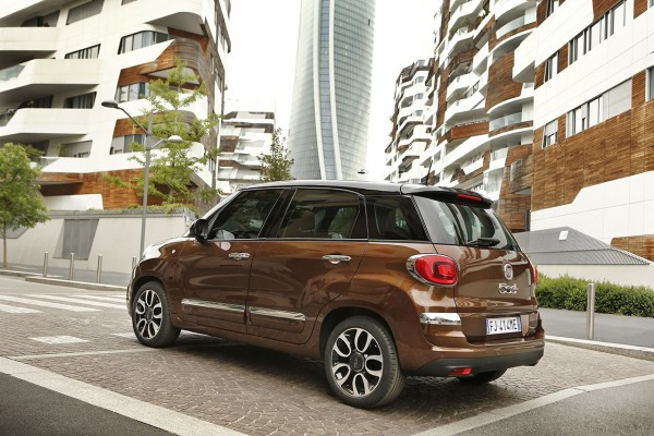 Fiat 500              L 1.4 16V Pop Star 95KM