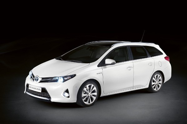 Toyota Auris VAN Touring Sports 2013-2014
