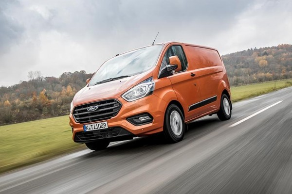 Ford Transit Custom              320 L2H1 Limited 130KM