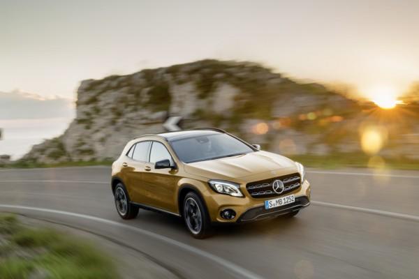 Mercedes Klasa GLA              250 4-Matic Urban 211KM