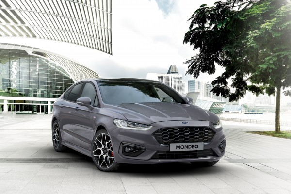 Ford Mondeo  Hatchback 19