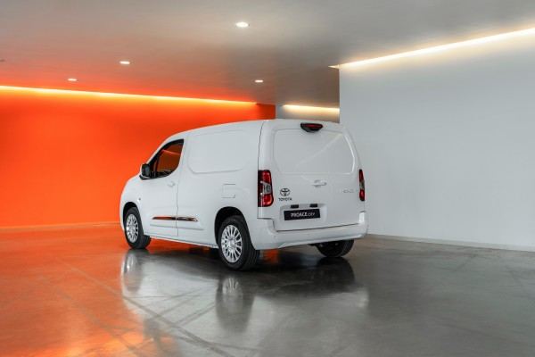 Toyota Proace City              1.2 D-4T Long 2,3t Active 130KM